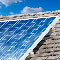 Solarthermie: Warmwasser und Heizungsunterstützung durch die Sonne