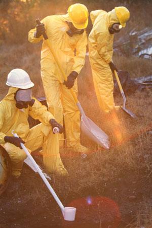 Wer mit Giftstoffen zu tun hat, muss sichere Schutzbekleidung tragen