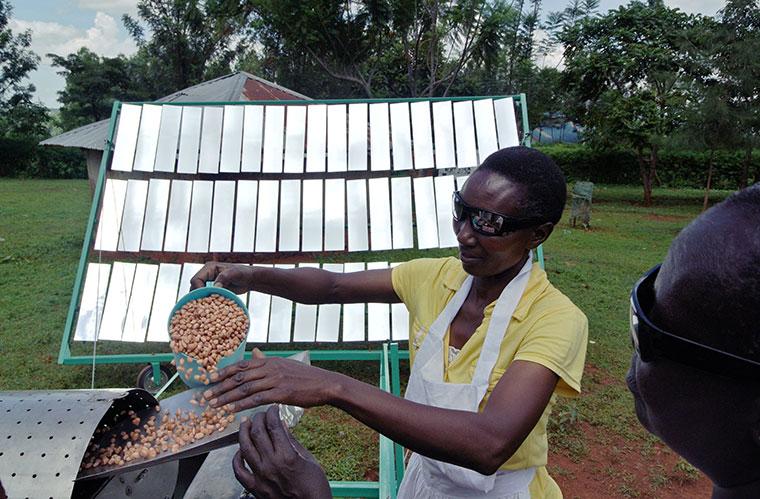 Nüsse rösten mit Solarstrom