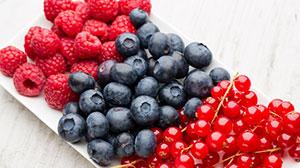 Süße Beeren für das Sommerfrühstück