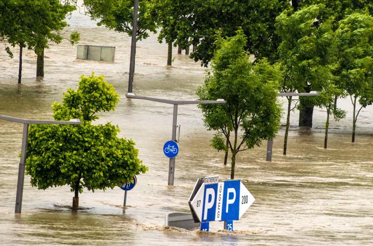 Überschwemmung und Hochwasser nach Dauerregen