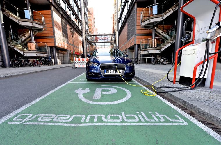 CO-Ausstoß senken durch Gebrauch von Elektro-Autos