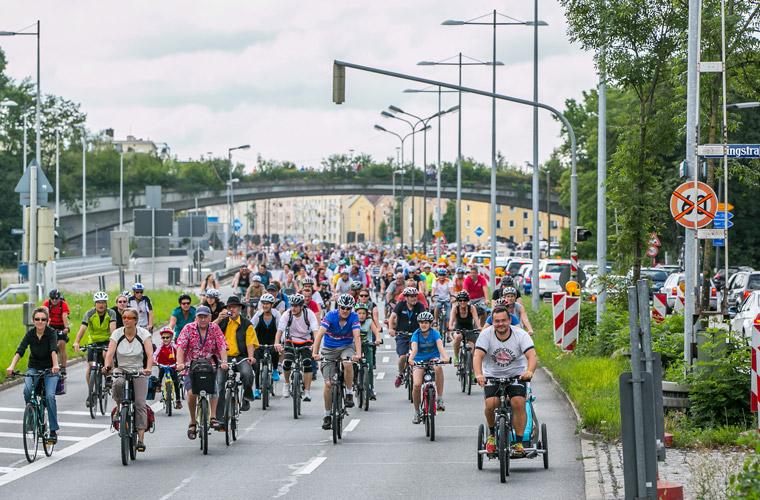 Radln auf der Stadtautobahn am 16. Oktober in München