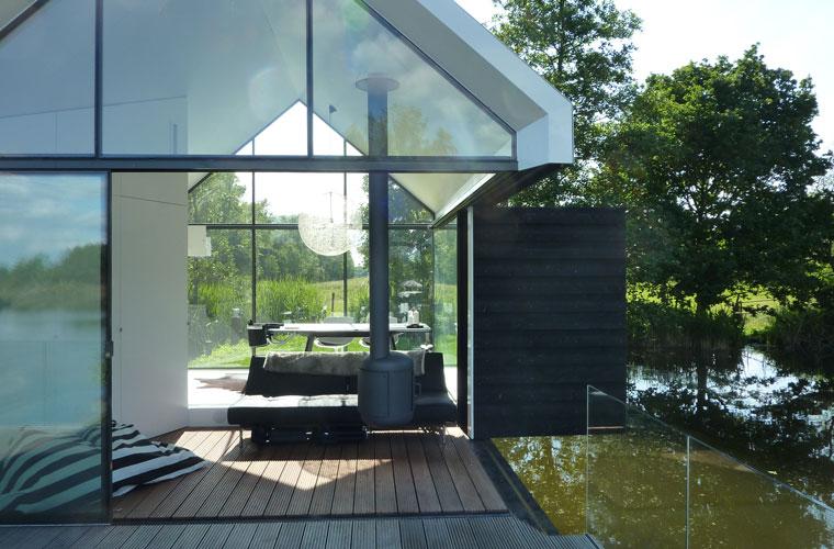 Grüne Oase, Idealer Rückzugsort, Haus Aus Glas