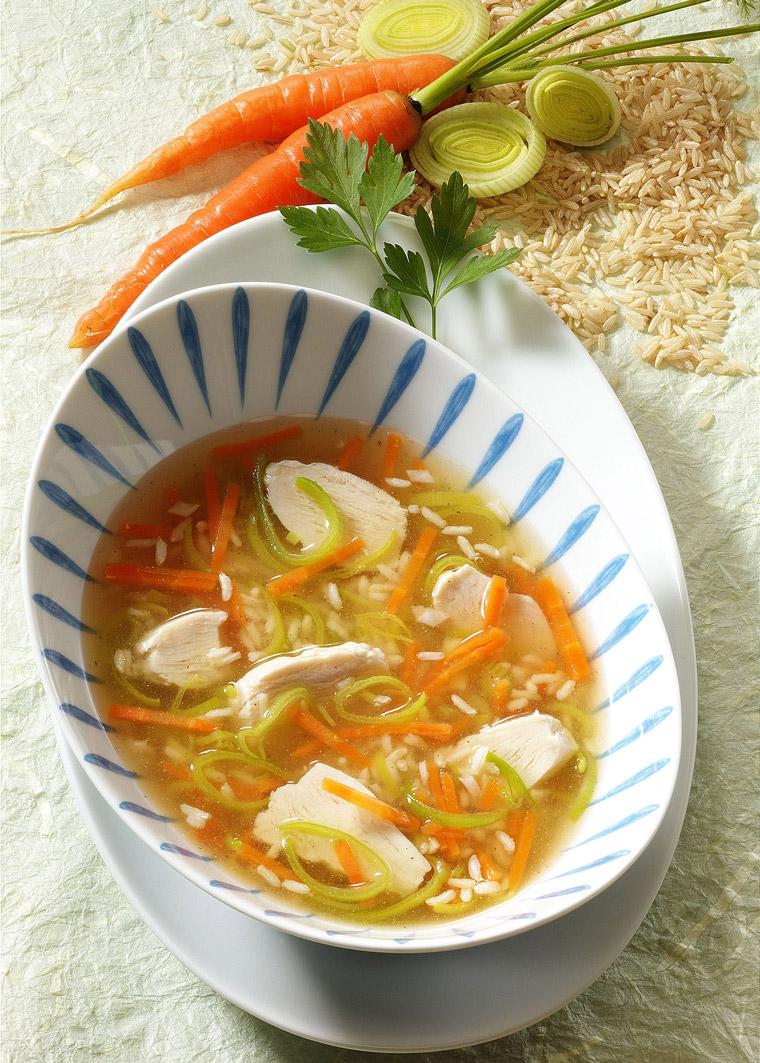 Hühnersuppe mit Lauch und Reis