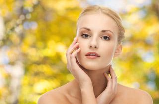 Intensive Pflege für lebendig-straffe Haut