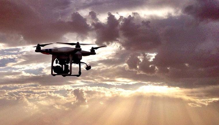 Planet Oil Gyrocopter ueber der Liwa Wueste in Abu Dhabi
