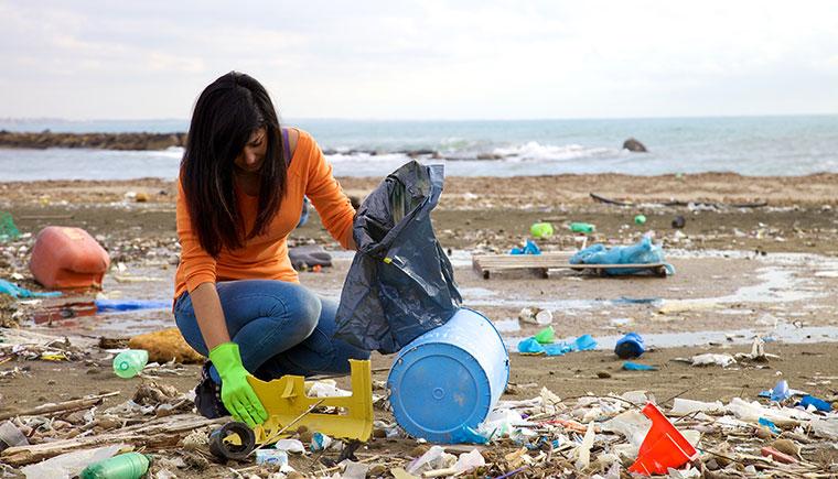 Plastik zerstört unsere Weltmeere - kann ein Bakerium uns davor bewahren?
