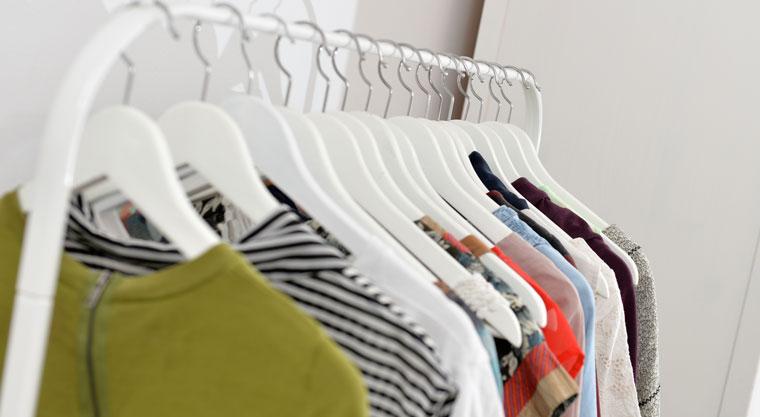 nachhaltig konsumieren, weniger Kleidung kaufen
