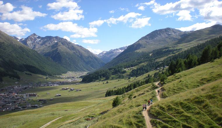 Berge und Sille wie in Tibet eine Reise zum Selbst Lungolivigno