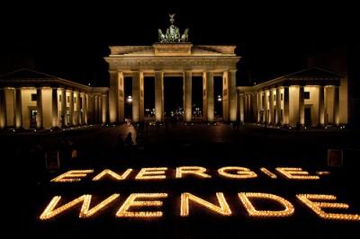 Licht aus, Klimaschutz an: Earth Hour Day, 31.3., 20:30 Uhr