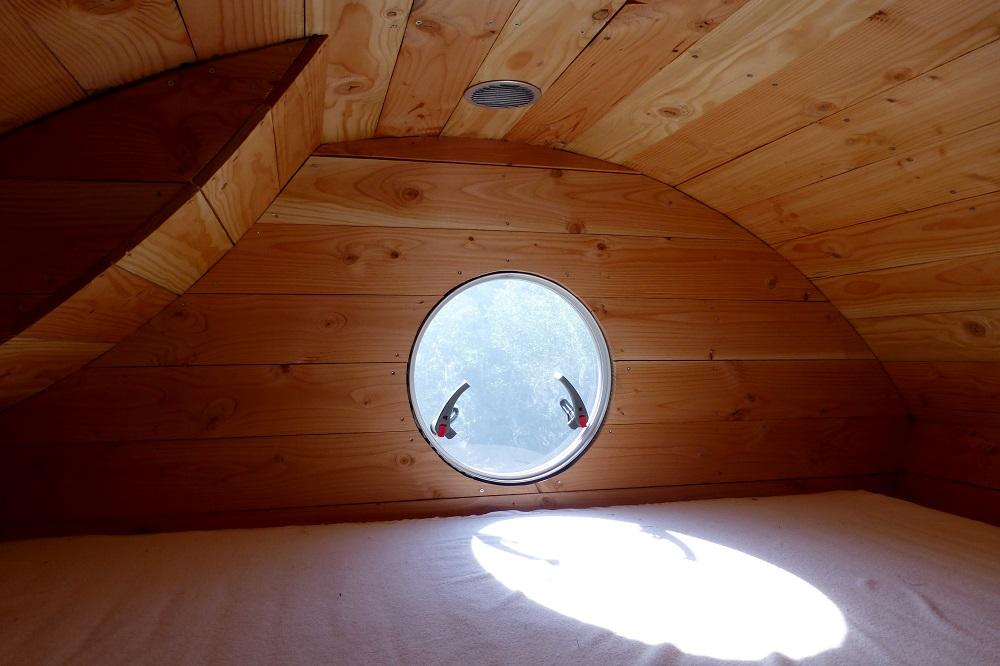 holzhaus in der natur ohne strom und wasser kostenlos bernachten. Black Bedroom Furniture Sets. Home Design Ideas