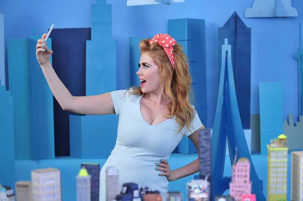 Marika fruscio oops big boobs pop out of dress live tv 5
