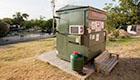 Der Mann, der im Müll-Container lebt