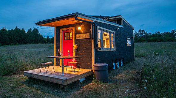 minimalistisch leben im tiny house so findest du dein gruenes zuhause. Black Bedroom Furniture Sets. Home Design Ideas