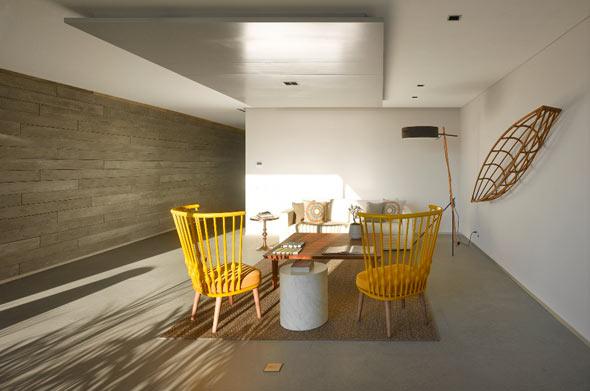 Beton und Naturstein kühlen die Räume auf natürliche Art und Weise