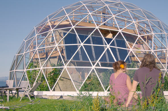 Mit dem eigenen Eco-Haus haben sich Ingrid und ihr Mann Benjamin einen Traum erfüllt