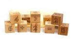 Mathematische Holzwürfel im Sack