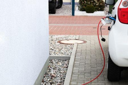 Der Volvo Plug-In-Hybrid fährt sowohl mit Diesel als auch mit Strom