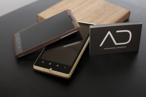 Design-Innovation ADzero: iPhone Konkurrent aus Bambus in Bildern.