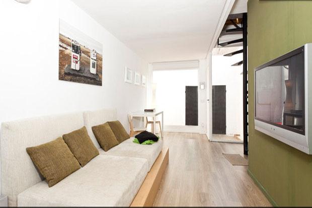 Das Wohnzimmer des Containerhauses © Balbina & Miquel Angel