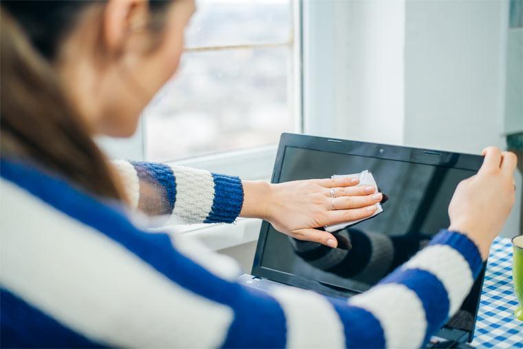 Bildschirme im Haushalt nachhaltig reinigen