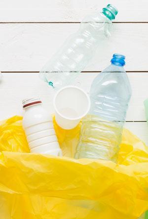 Gelber Sack mit PET Flaschen