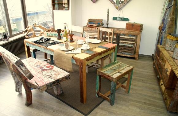 smArtindo: Farbenfrohe, faire Upcycling-Holzmöbel aus alten Häusern & Fischerbooten