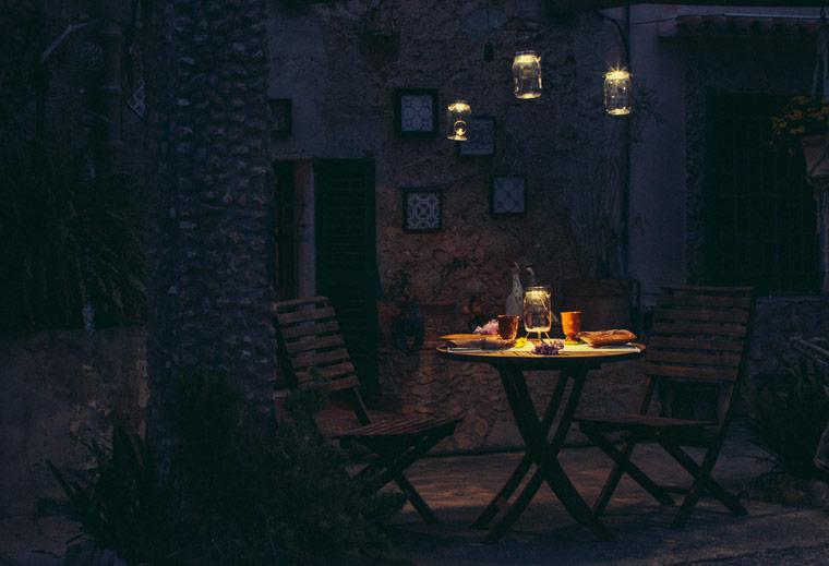 sonnenglas ein liter faires sonnenlicht aus s dafrika. Black Bedroom Furniture Sets. Home Design Ideas
