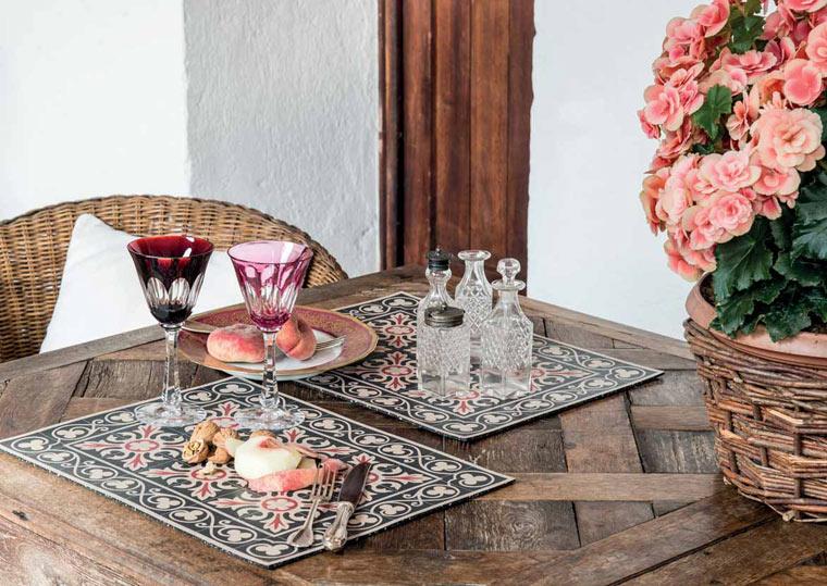 Geschenkidee: Tischsets mit mediterranen Fliesenmustern