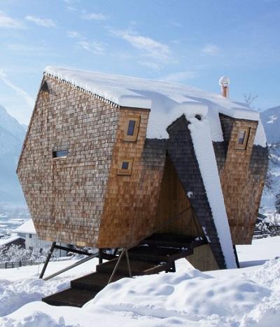 Minihaus Ufogel aus Lärchenholz