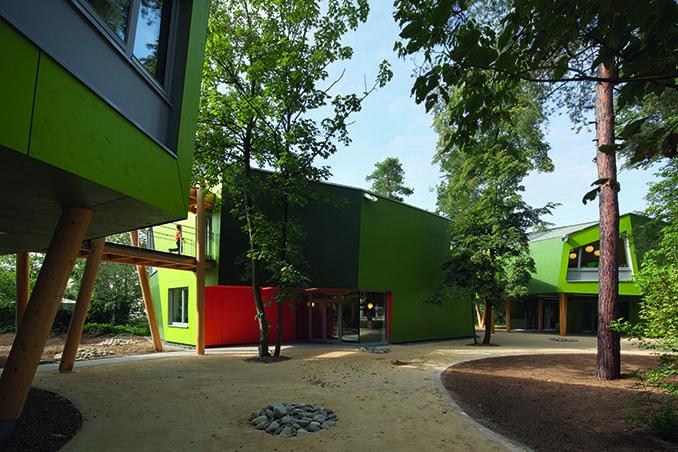 Die Schule am Kiefernwäldchen in Griesheim ist Sieger in der Kategorie Schule und Neubau © Ramona Buxbaum Architekten