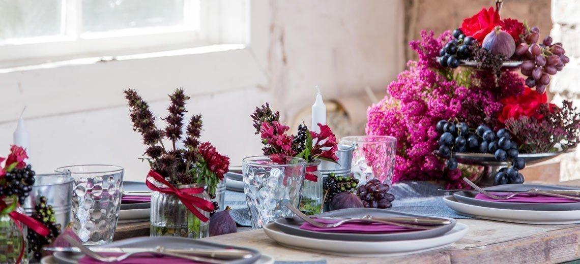 Ideen für herbstliche Tischdekorationen aus Naturmaterialien