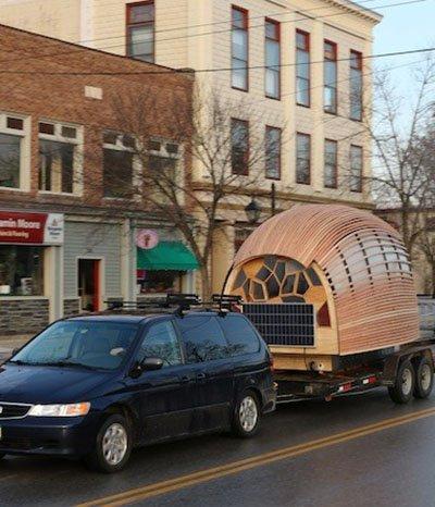 Der Holz-Wohnwagen Otis