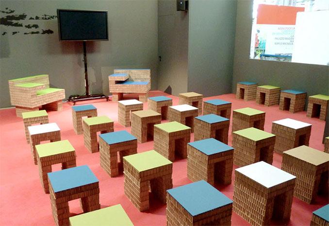 Leichte und stabile Sitzmöbel aus Pappe © A4ADesign.it