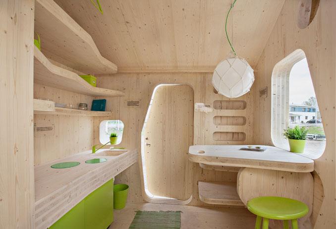 Auch ein süßes Fenster gibt es in dem Häuschen für viel Licht t©Tengbom Architects; Bertil Hertzberg