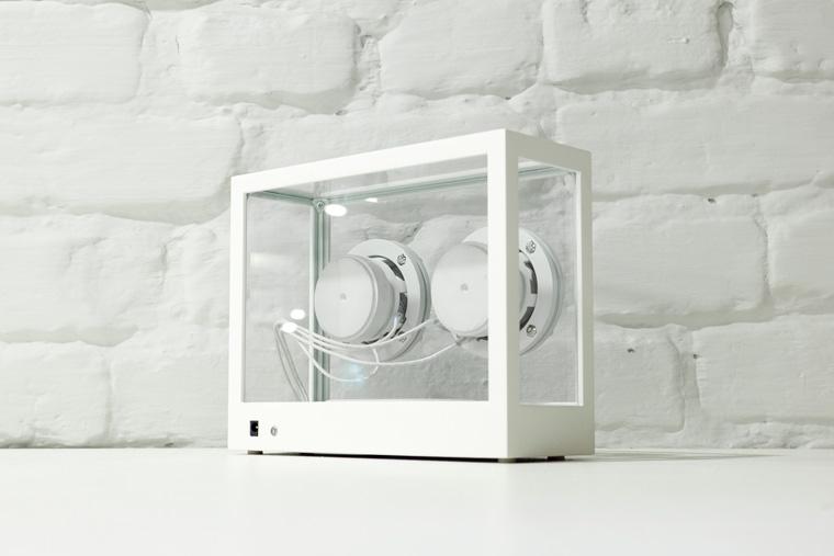 Der Small Transparent Speaker sieht nicht nur super aus, sondern ist auch noch nachhaltig.