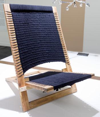 Dieser Stuhl kommt einem Webrahmen gleich ©Upcycling Award