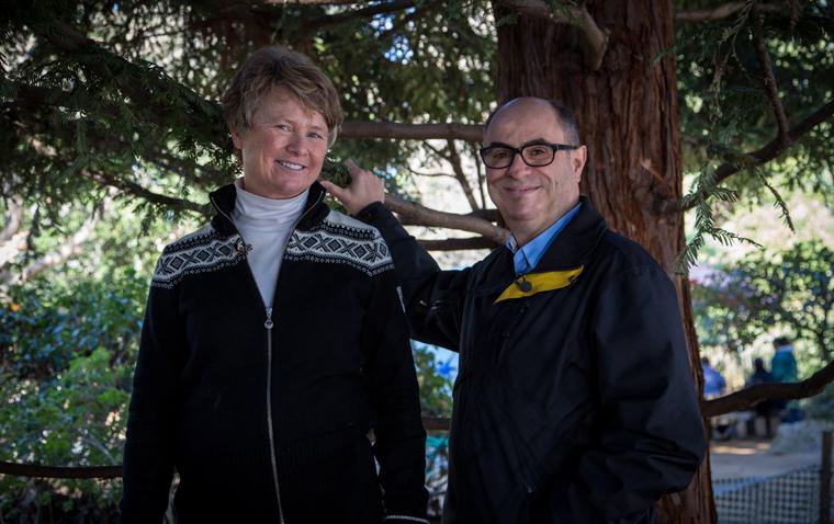 Adam Shaw reiste  in die USA, um Janine Benyus zu treffen. Die Gründerin des Biomimetik-Instituts