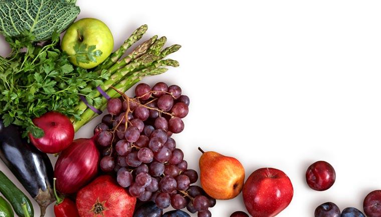 Clean Eating ist voll im Trend ? Ein Ernährungs-Konzept, dass auf frischen, unverarbeiteten Lebensmitteln beruht, die ohne Zusatzstoffe zubereitet werden.