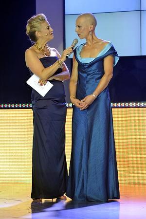 Britta Wulf und Barbara Schöneberger ©DKMS LIFE