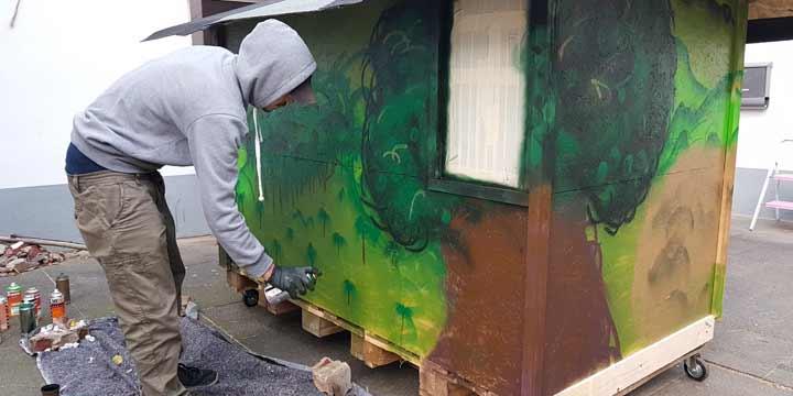 Kölner baut Wohnboxen für Obdachlose