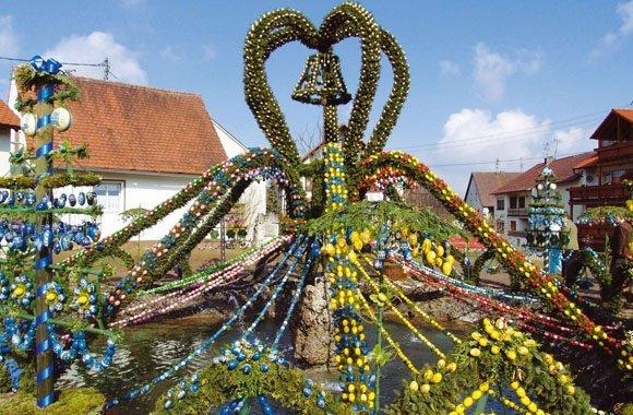 Bunte Osterbrunnen in der Fränkischen Schweiz