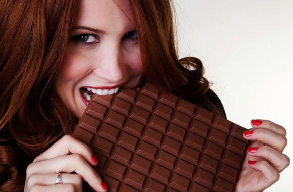 Schokoladenverbot für Frauen! Skurrile Gesetze in Urlaubsländern