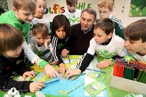 Muuvit-Schirmherr seit 2013, VfL-Geschäftsführer Klaus Allofs (Copyright VfL Wolfsburg)