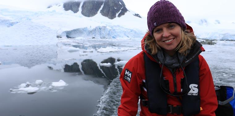 Journalistin Victoria Gill spricht über die aufregenden Dreharbeiten in der Antarktis.