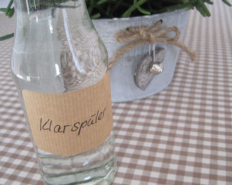 Klarspüler in der Glasflasche statt im Kunststoffbehälter