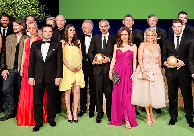 In bester Gesellschaft: Anastasia Zampounidis als Moderatoring der © GreenTec Awards
