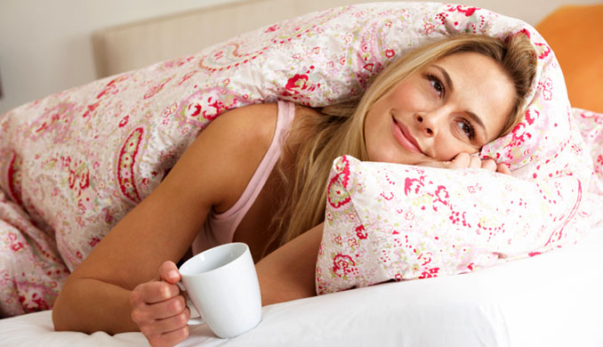 Gut schlafen heißt auch gesund schlafen. MIt der passenden Decke lässt es sich jetzt noch besser schlummern © Monkey Business Images Ltd (thinkstockphotos)