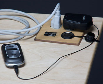 Vom USB-Anschluss zur herkömmlichen Steckdose ist das Big Rig sehr vielseitig © 2013 Pedal Power Design + Build
